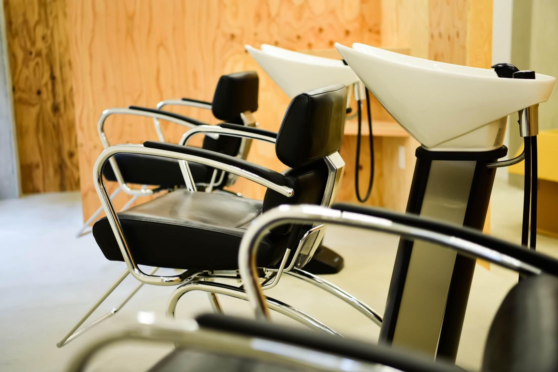 【美容業】顧客カルテと商圏分析を徹底活用した地域密着のサロン型美容室